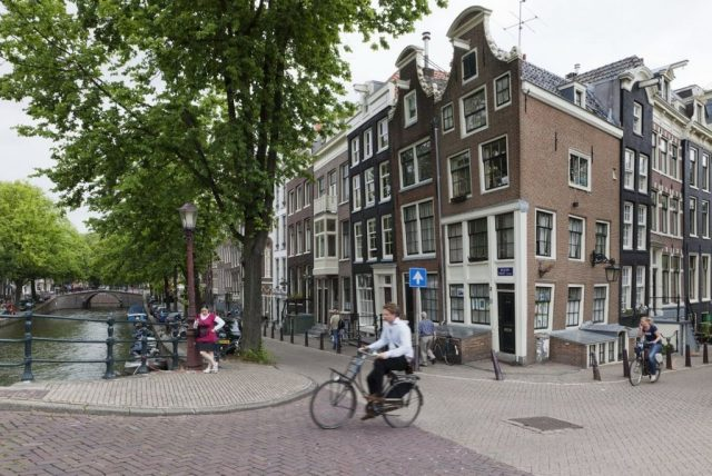 eenzaam in amsterdam